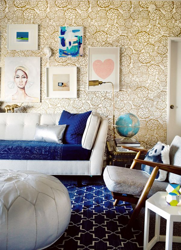 Blue velvet couch accents
