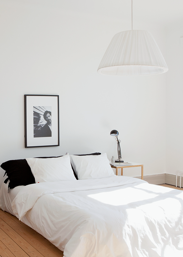 minimal black and white bedroom