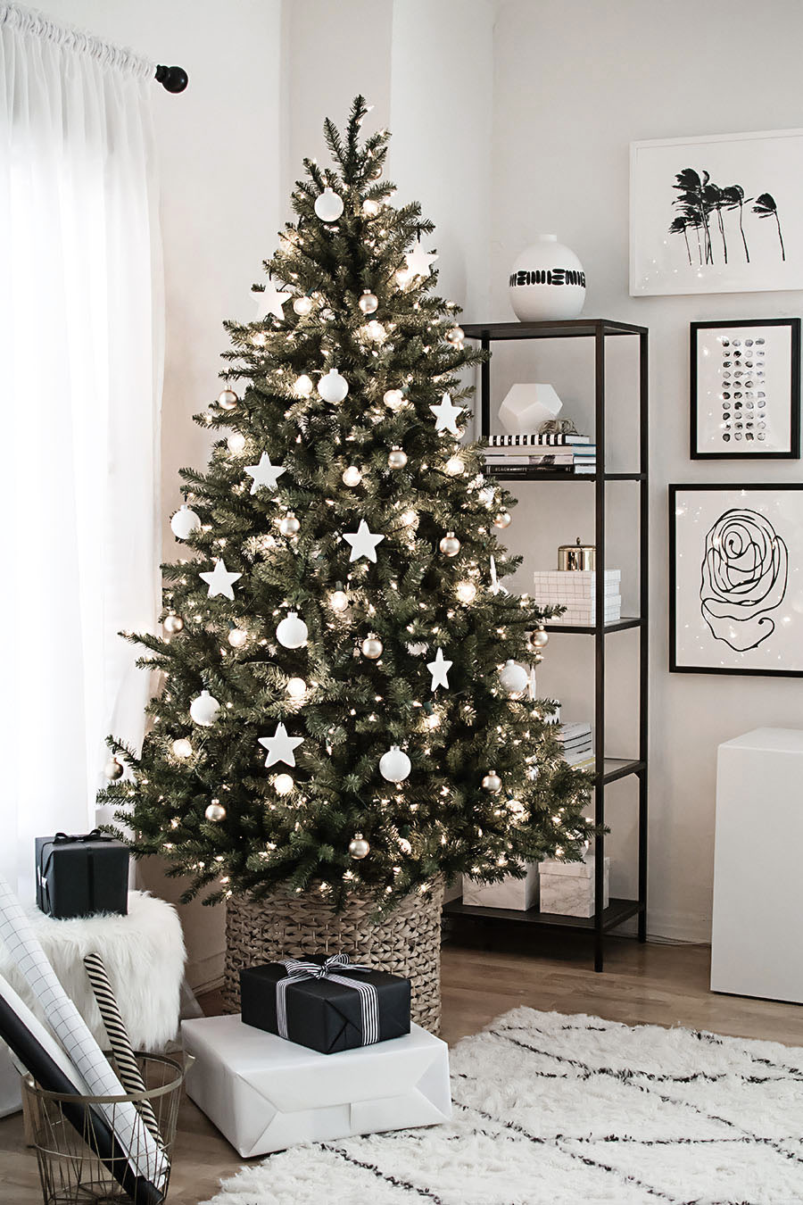 Christmas tree with clay star ornaments-2