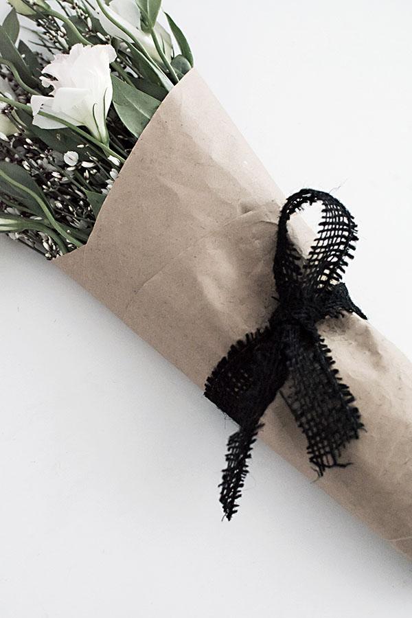 loop tie