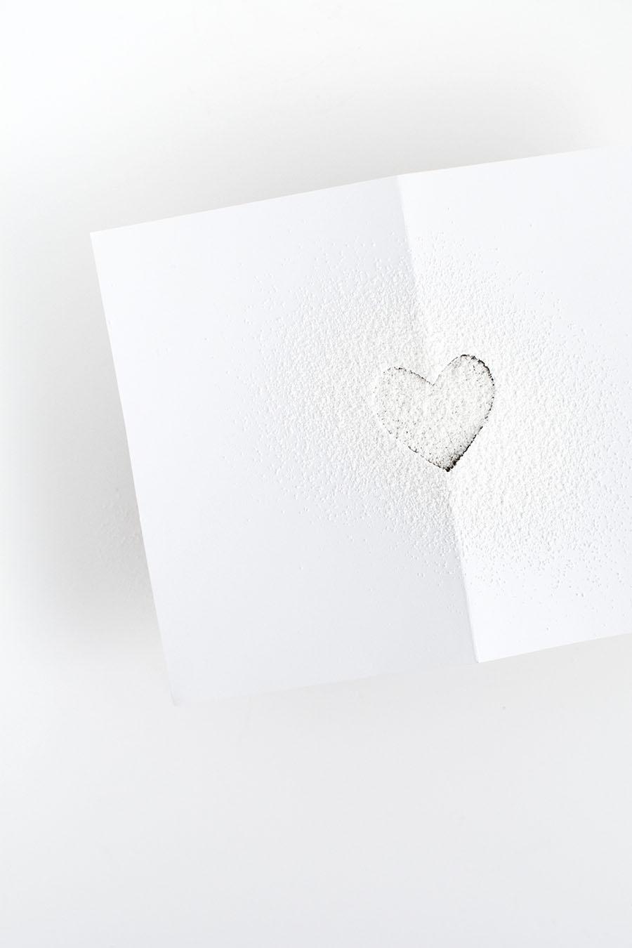 powder sugar heart