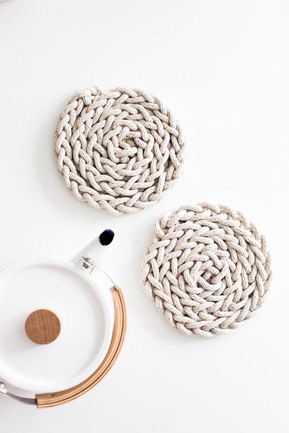 finger knit trivets