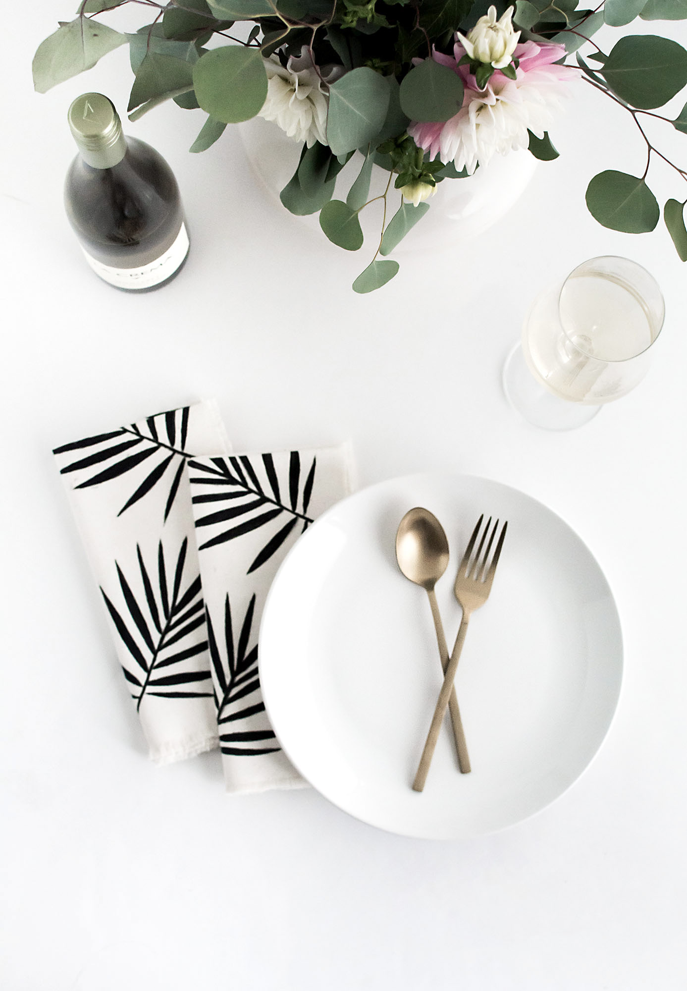 DIY Palm Leaf Napkins-4